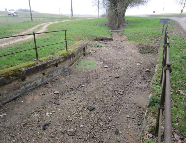 Lusseray, le cours d'eau vidé par le remplissage d'une retenue